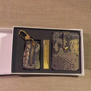 Aimee Kestenberg Wallet & keychain set